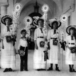 Царские дети на благотворительном празднике Белого цветка, Ливадия, 1912 г.